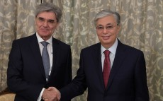 Kassym-Jomart Tokayev meets Joe Kaeser, President and Chief Executive Officer of Siemens AG